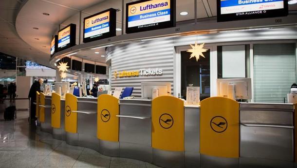 Piloti Lufthansa fermi fino a venerdì