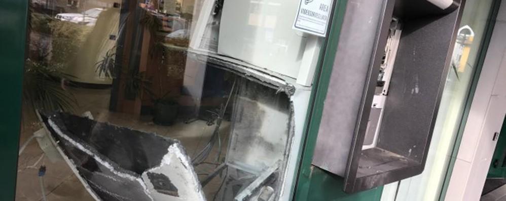 Mozzo, banda del botto in azione - Video Bancomat assaltato:   20 mila euro
