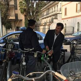 Treviglio, ladro di biciclette alla stazione   Denunciato 35enne armato di tronchese