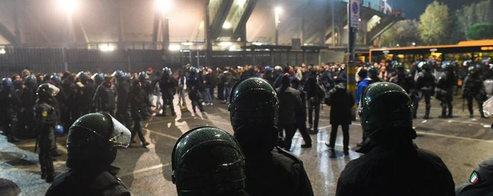 Gli incidenti degli ultrà giallorossi 40mila euro di multa alla Roma