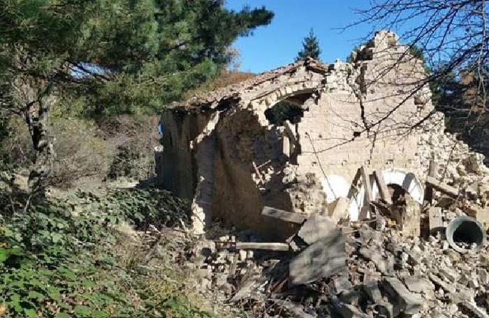 Le rovine di Santa Maria del Pantano dopo il terremoto, chiesa dell'anno Mille
