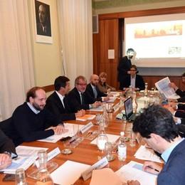 Firmato il Patto per la Lombardia «Finanziamenti alle opere più certi»