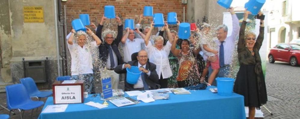 Una secchiata d'acqua vincente Finanziati 4 nuovi progetti contro la Sla