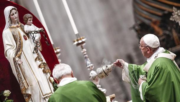 Papa chiede atto clemenza per carcerati