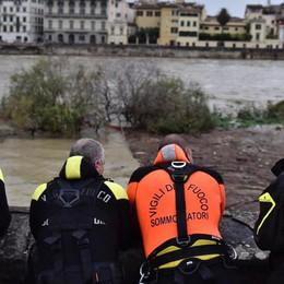 Tromba d'aria,  due morti a Ladispoli  A Firenze preoccupa la piena dell'Arno