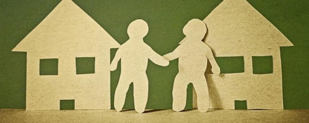 Con la crisi vicini di casa meno litigiosi Si condividono abilità professionali e adsl
