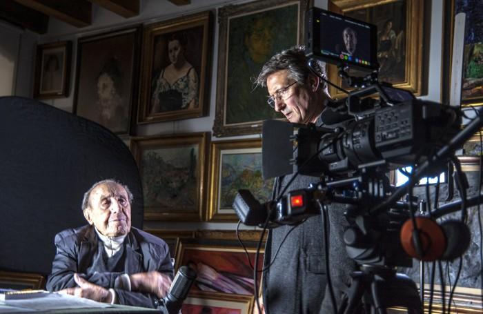 Il maestro Trento Longaretti con il regista Alberto Nacci durante le riprese del film