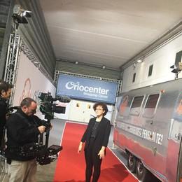 Orio, torna il camper di Simona Ventura Due giorni di casting per «Selfie»