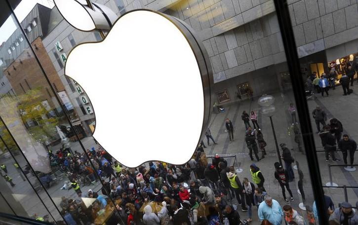 Più sottile e con lo schermo curvo Ecco come sarà l'iPhone 8
