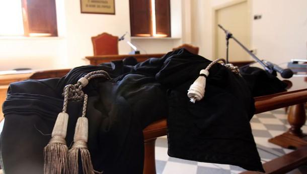Uccise ex:20 anni a omicida, ira parenti