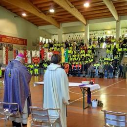 Il grazie ai volontari della Protezione civile A Scanzo la festa per 40 gruppi