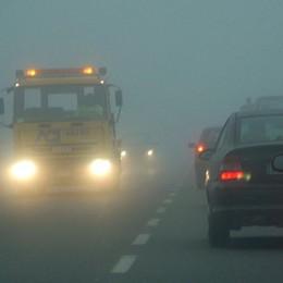 Fitta nebbia in provincia di Bergamo Ecco i consigli per evitare incidenti