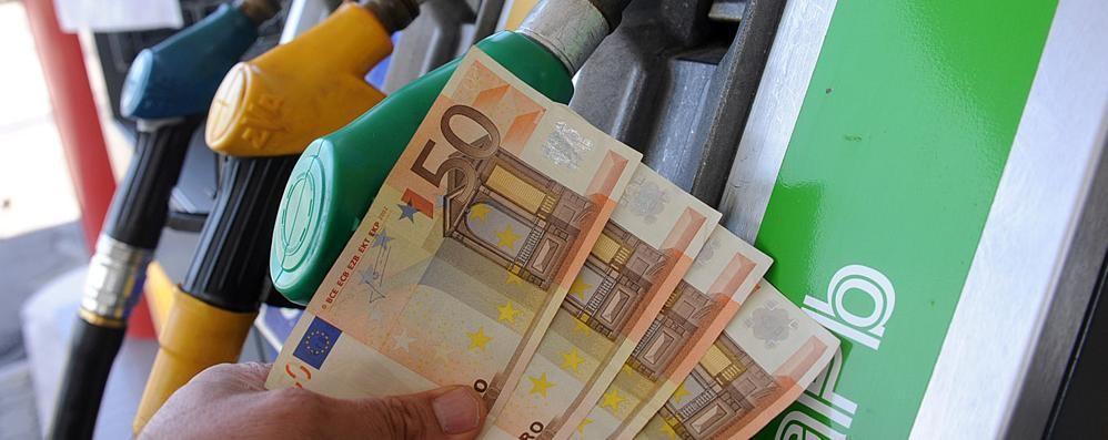 Benzina e gasolio prezzi alle stelle Scopri qui dove risparmiare a Bergamo