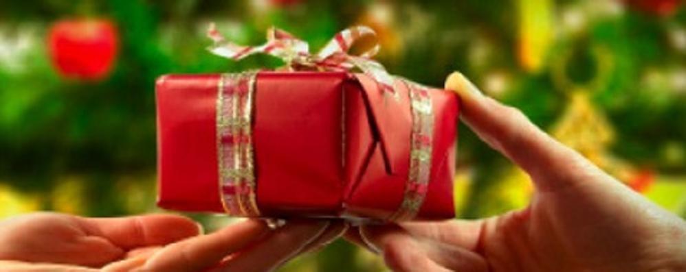 Natale, un affare da un miliardo e mezzo Il vero regalo? Per i lombardi è la salute