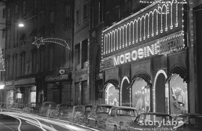 Via XX Settembre e il negozio «Morosini Confezioni»
