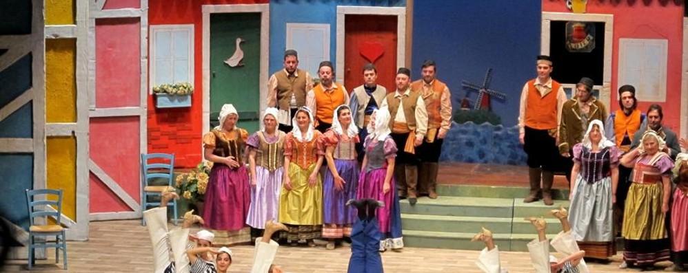 San Silvestro e primo dell'anno a teatro  Al Donizetti in scena l'operetta