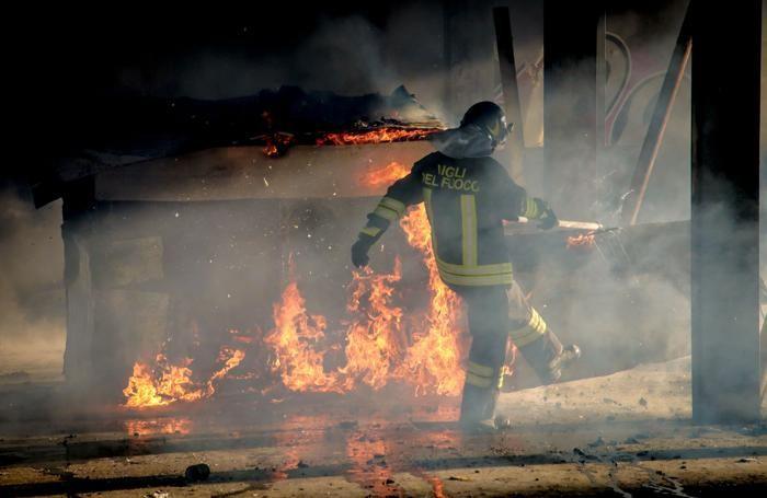 Incendio a Campagnola nell'edificio Ex Molini Moretti