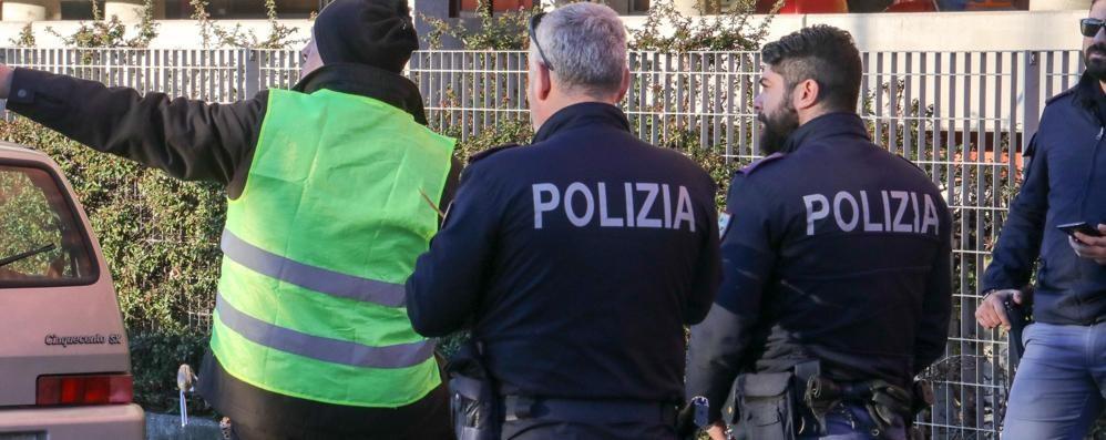 Omicidio Roveri, caccia allo smartphone Gli inquirenti: «Non c'è un serial killer»