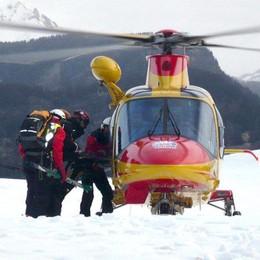Incidente in montagna al pizzo Becco Un uomo salvato dall'elisoccorso