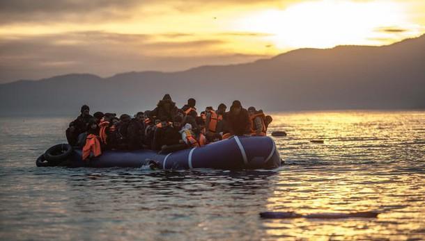 Traffico migranti, arrestati 3 eritrei