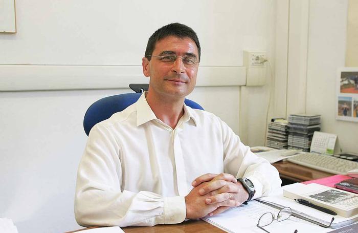 Armando Persico, professore Itc San Paolo d'Argon