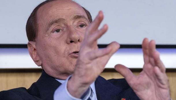 Berlusconi, siamo a preludio di regime