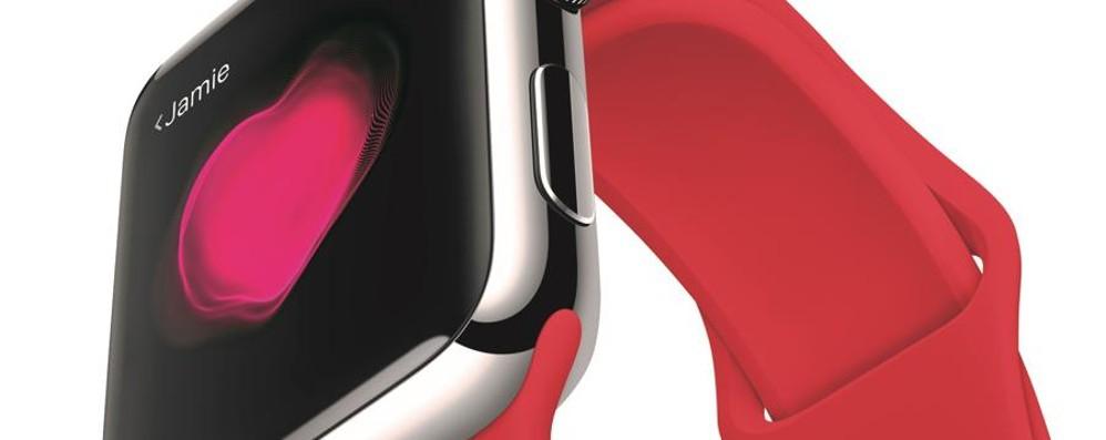 San Valentino, c'è anche Apple E si tinge di un rosso benefico