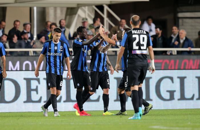 L'esultanza dopo la vittoria dell'andata con la Sampdoria