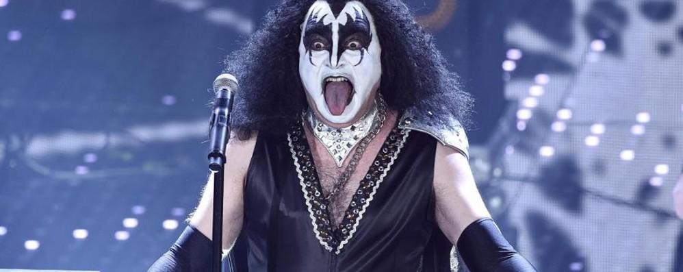Così Elio ha vinto il suo Sanremo - video I Kiss li twittano - le foto dei travestimenti