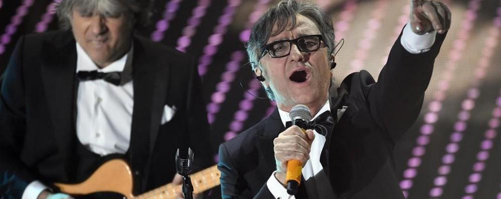 Sanremo, vincono gli Stadio Guarda il video della canzone