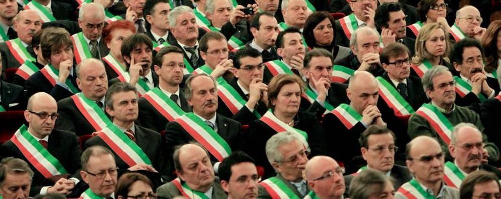 «Via i Comuni sotto i 5.000 abitanti» Proposta di legge Pd, firma anche Guerini