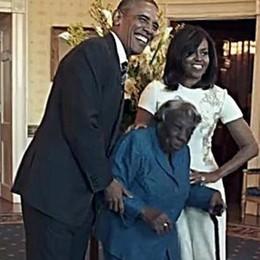 A 106 anni balla alla Casa Bianca Il video fa il giro del mondo - guardalo