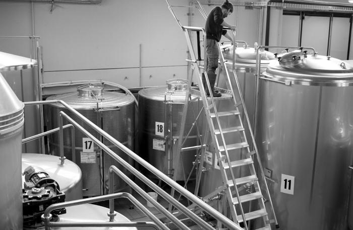 Il reparto di produzione della birra Elav