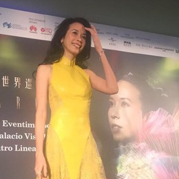 Karen Mok, la più famosa pop star cinese sbarca in Italia e visita a Bergamo - Video