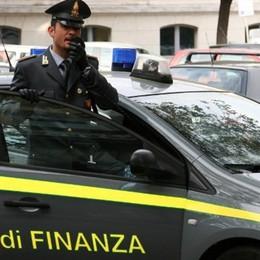 «Costretto a pagare i debiti di un altro» Ricatto da 10 mila euro, preso ad Azzano