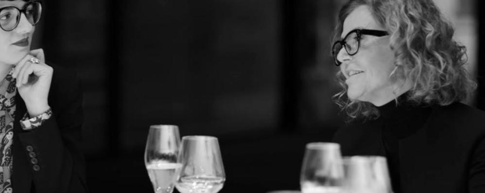 A cena con Krizia - il video Tra i 30 ospiti anche Tiziana Fausti