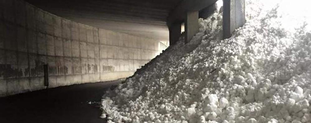 Foppolo sommersa dalla neve Paravalanghe evita il peggio sulla strada