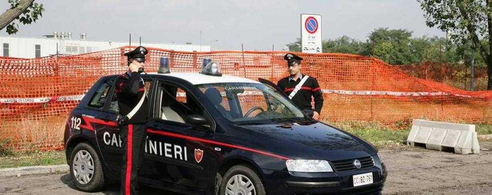 Ruba scarpe e vestiti per duemila euro Rumeno 24enne arrestato alle Due Torri