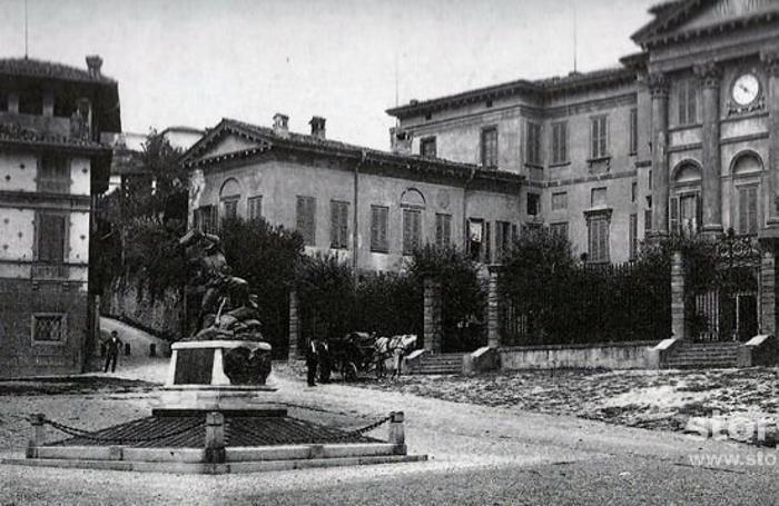 Piazza Carrara 1922