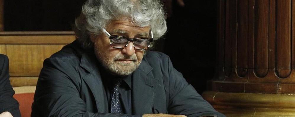 Dietrofront Grillo, Unioni civili nel caos Alfano: adozioni gay? Non le voteremo