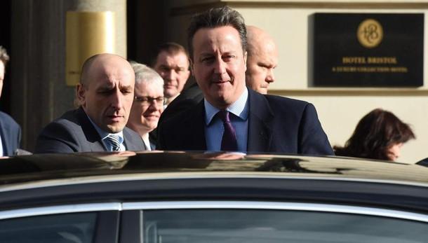 Ue: colloquio telefonico Renzi-Cameron