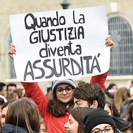 «Prof licenziato, intervenga Mattarella» Approvata la mozione in Provincia