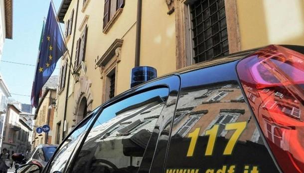 Frode fiscale da 23 mln euro, 2 denunce