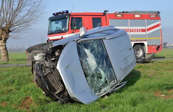 La Fiat Sedici, sulla quale viaggiava la 70enne morta, spostata a bordo strada