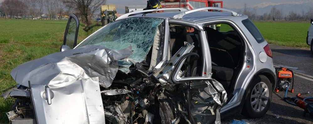 Frontale tra due auto a Brignano Morta una 70enne di Caravaggio