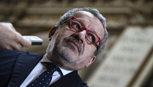 Tangenti, Maroni: mi ricandido nel 2018