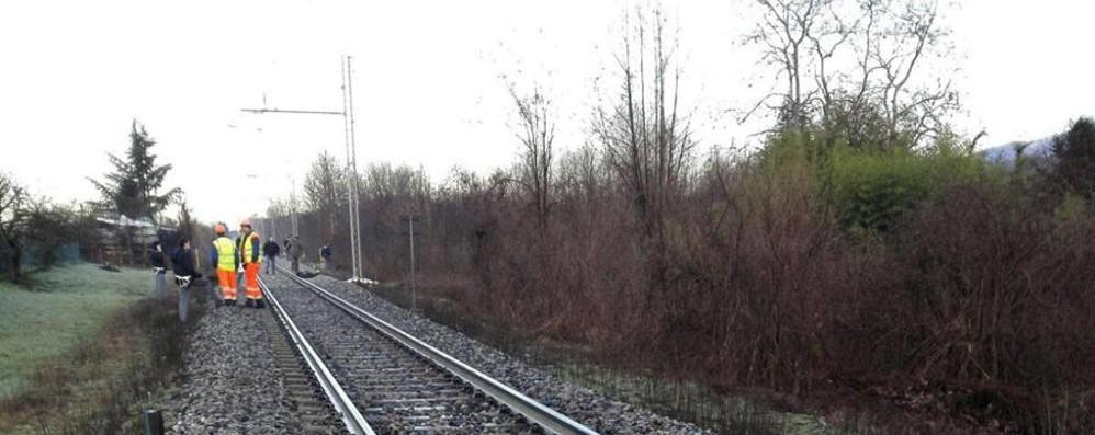 Uomo muore investito da un treno Bloccata la linea per Lecco
