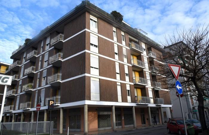 Il palazzo, in via Pitentino 16, dove nascerà la sede di Forza Italia