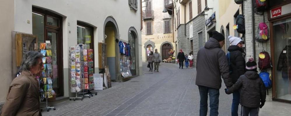 Il centro storico rischia di svuotarsi Clusone a caccia di idee per il rilancio