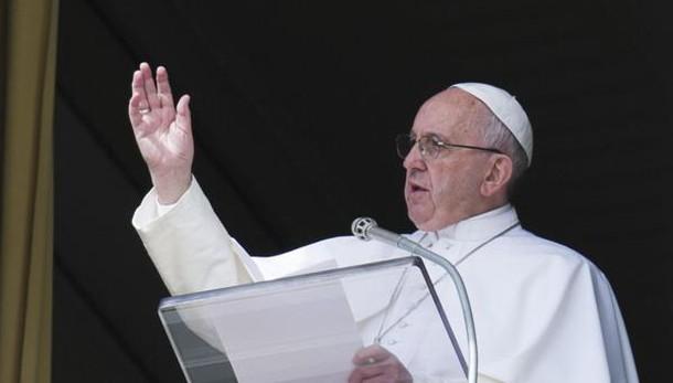 Papa: scribi assetati di sangue